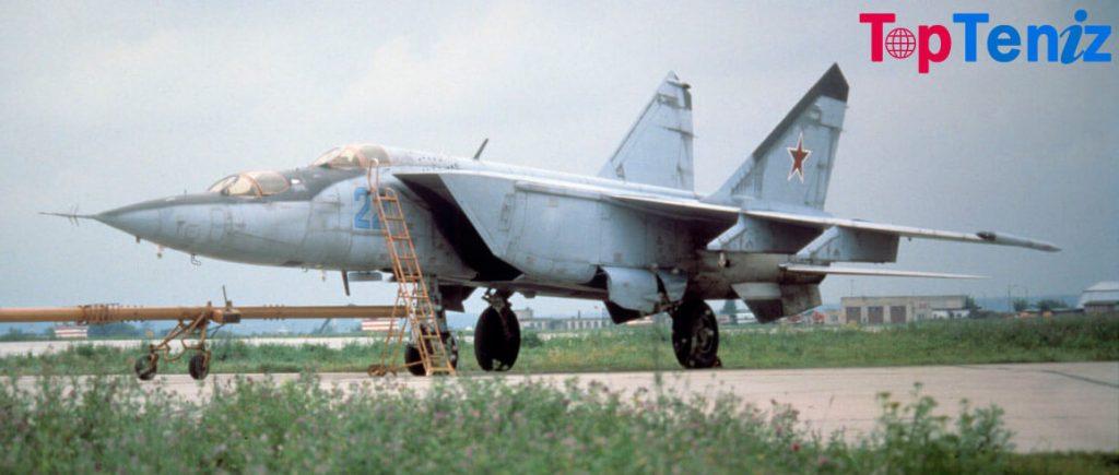 Mikoyan MiG-25